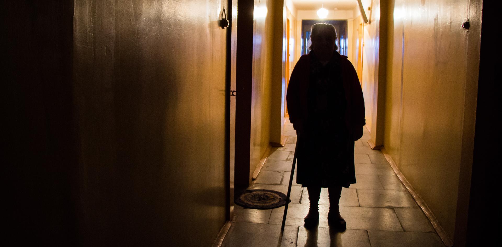 «Пенсионеров в Москве бросили как котят в прорубь». История выживания