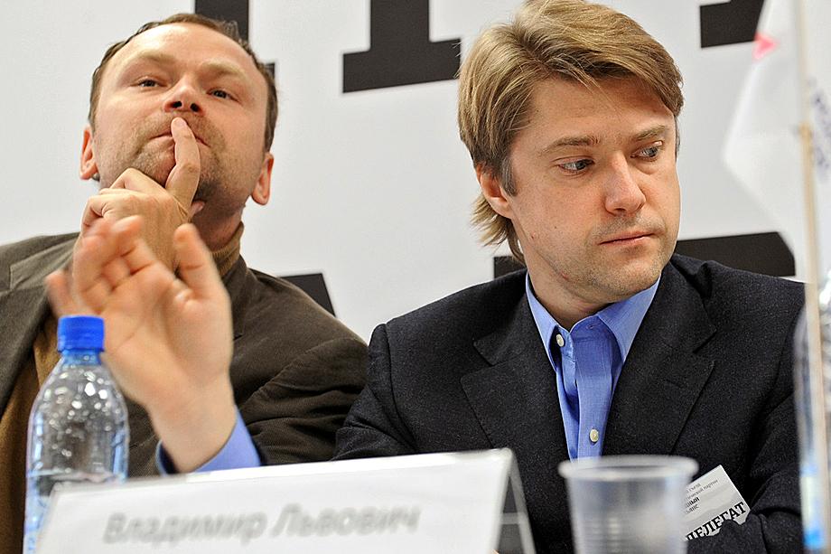 Владимир Ашурков (справа)