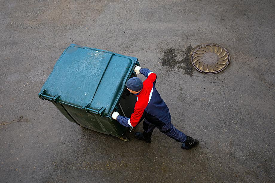 На придомовой контейнерной площадке. Екатеринбург