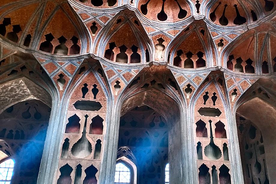 Музыкальная комната во двореце Али-Капу. Исфахан