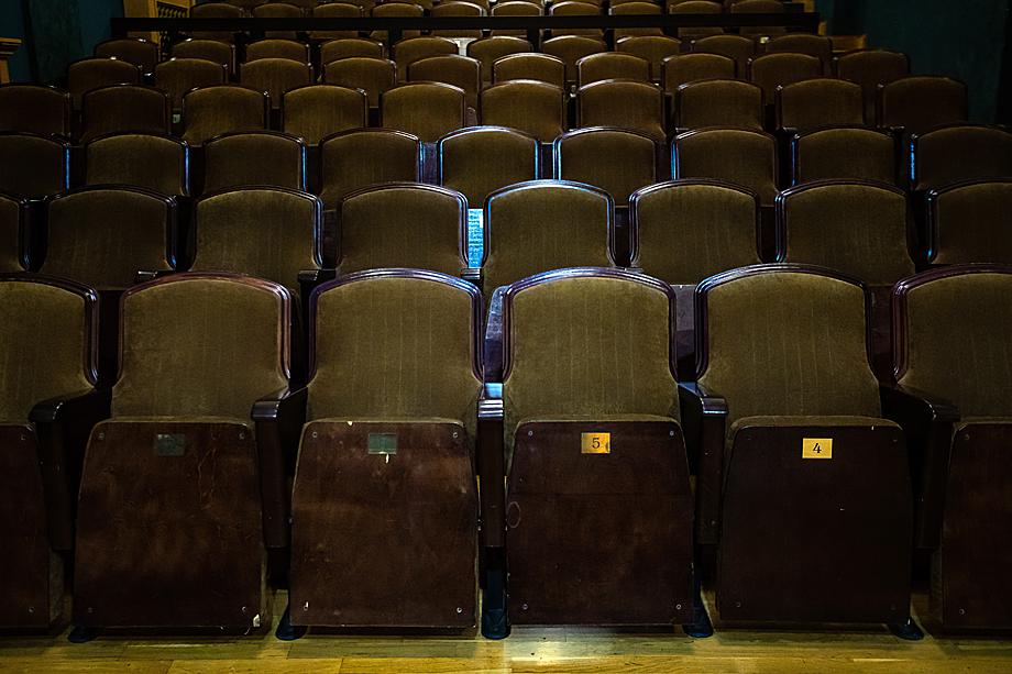 Театральная жизнь в России практически замерла