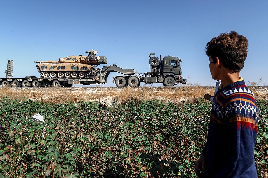 Турецкая военная колонна в Сирии
