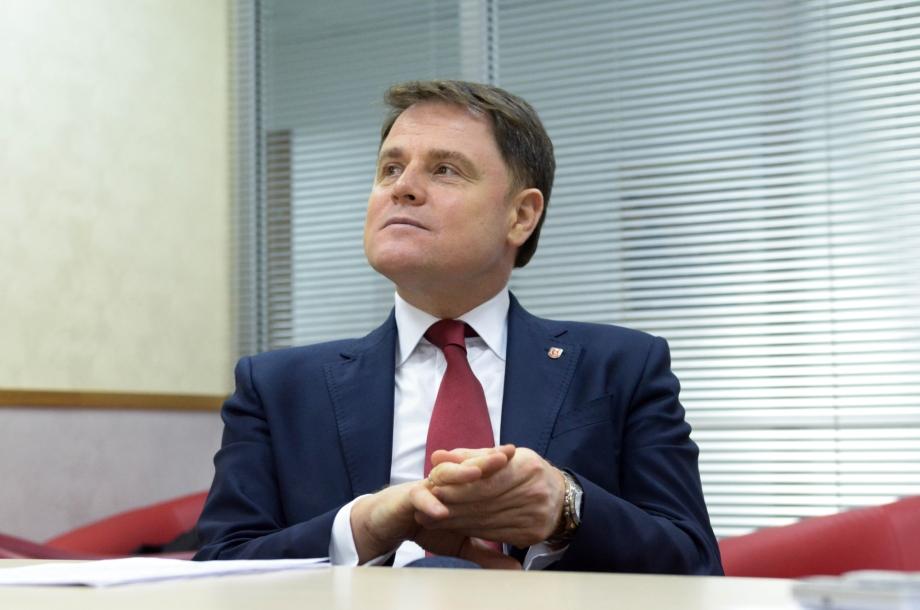 «Медведевский» экс-губернатор метит на место в Совбезе