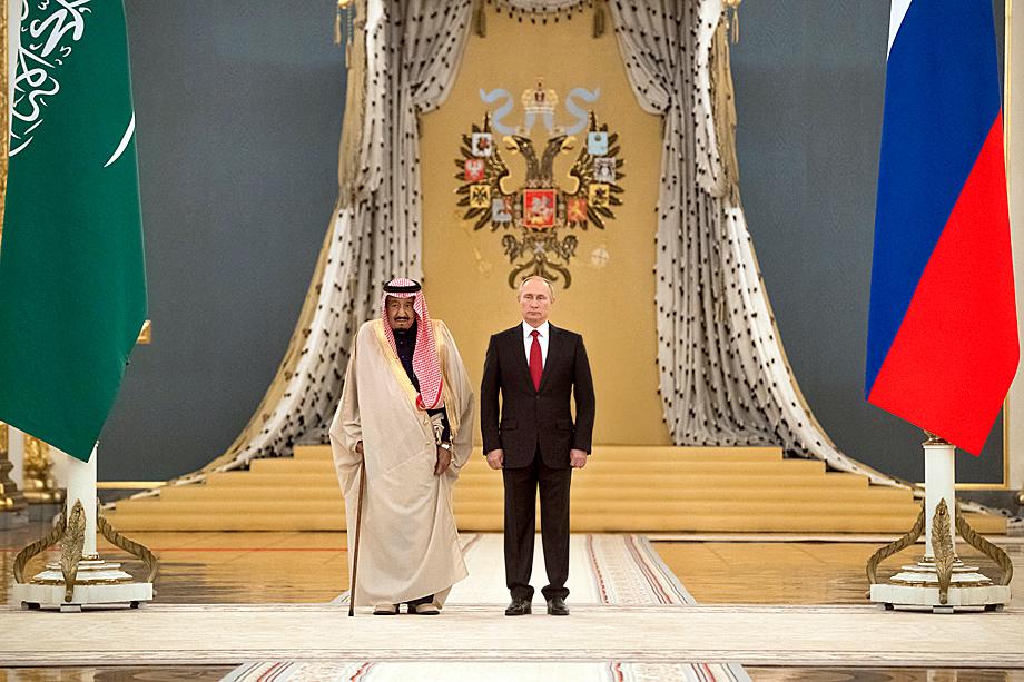 Вашингтону предстоит договориться с двумя другими ключевыми игроками рынка: Россией и Саудовской Аравией. На фото: Владимир Путин и Салман ибн Абдул-Азиз Аль Сауд