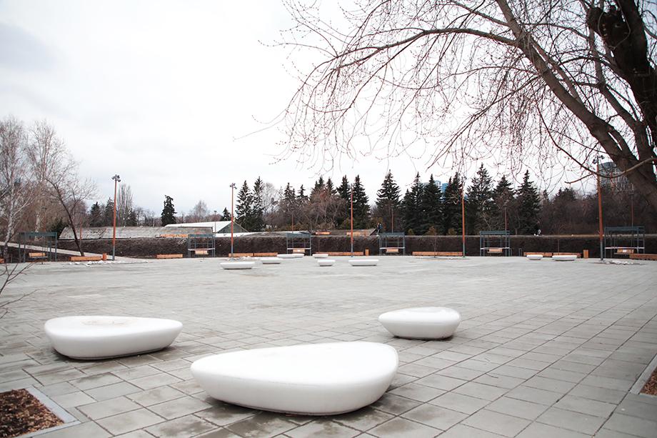 Площадь возле центра современного искусства