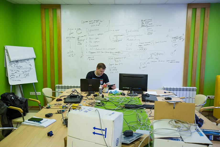 Сейчас софт и оборудование «Иридиума» работает более чем с 60 протоколами.