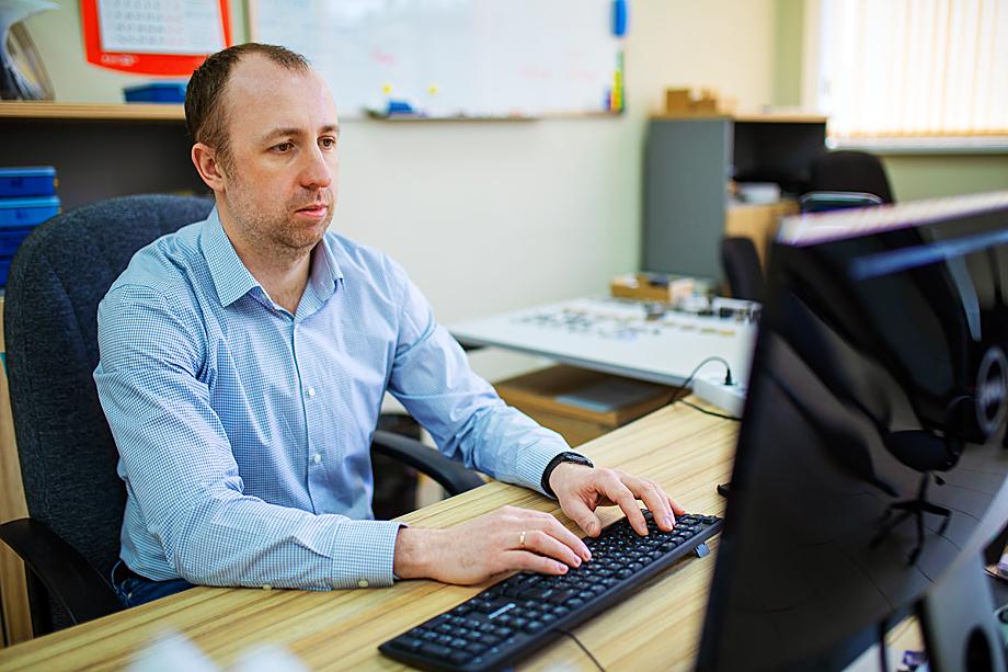 Три года назад Илья Карькин основал свою маленькую, но небезуспешную «Структурную диагностику».