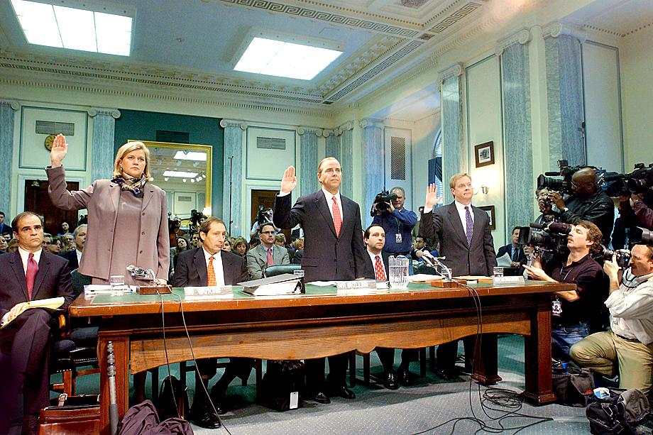 Дача показаний представителей Enron комитету по торговле, науке и транспорту сената США.