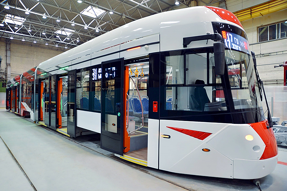 Трамвай 71-418.
