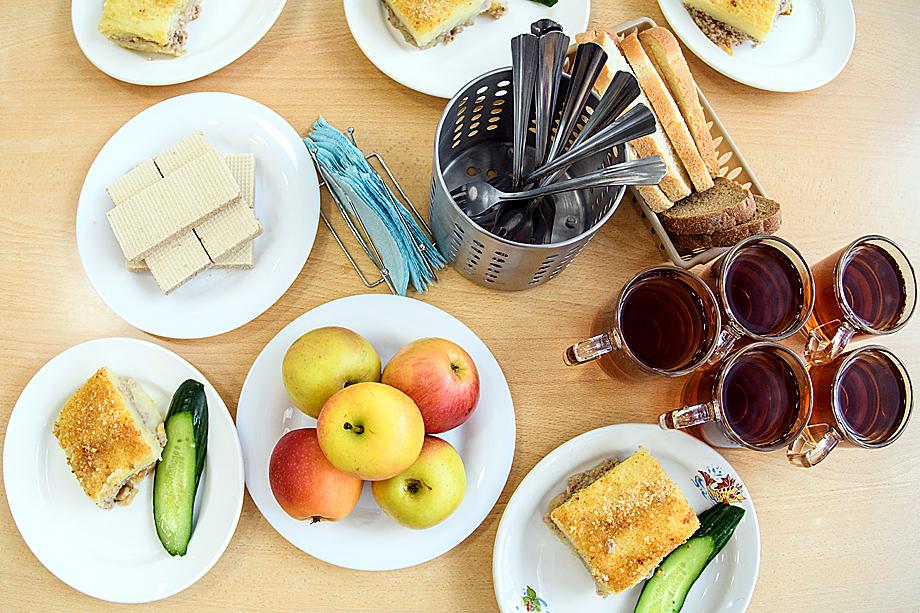 Средняя стоимость завтрака – 73 рубля, обеда – 110 рублей.