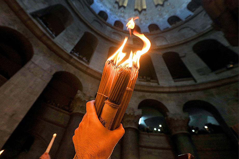 В храме Гроба Господня в Иерусалиме.