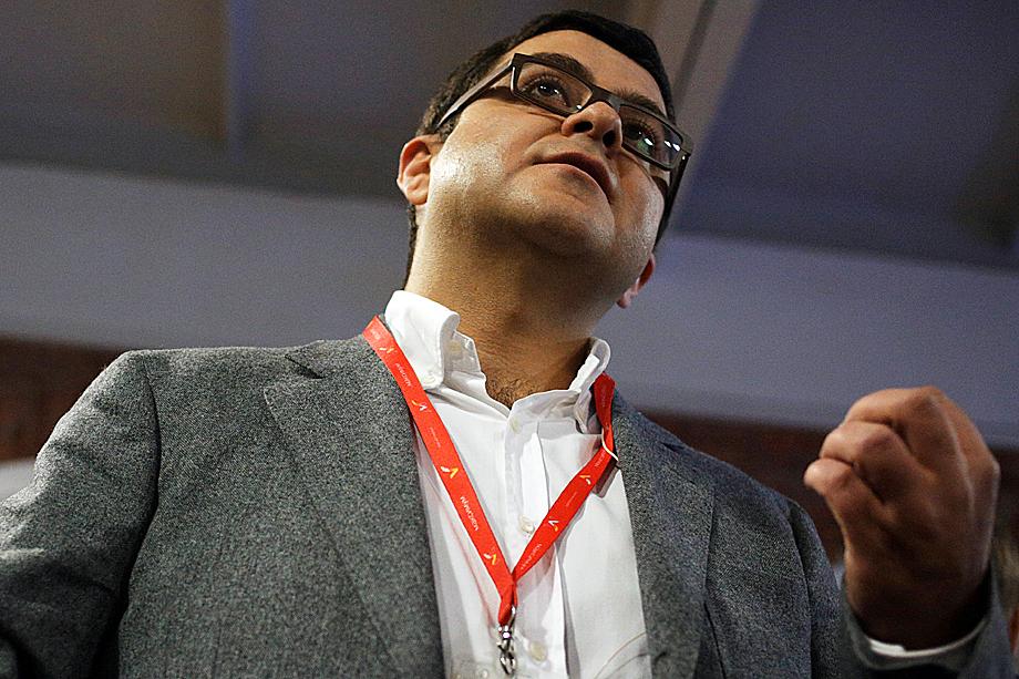 Генеральный директор автохолдинга «Максимум» Вадим Арустамян на презентации своего проекта Carmart.ru в 2016 году.