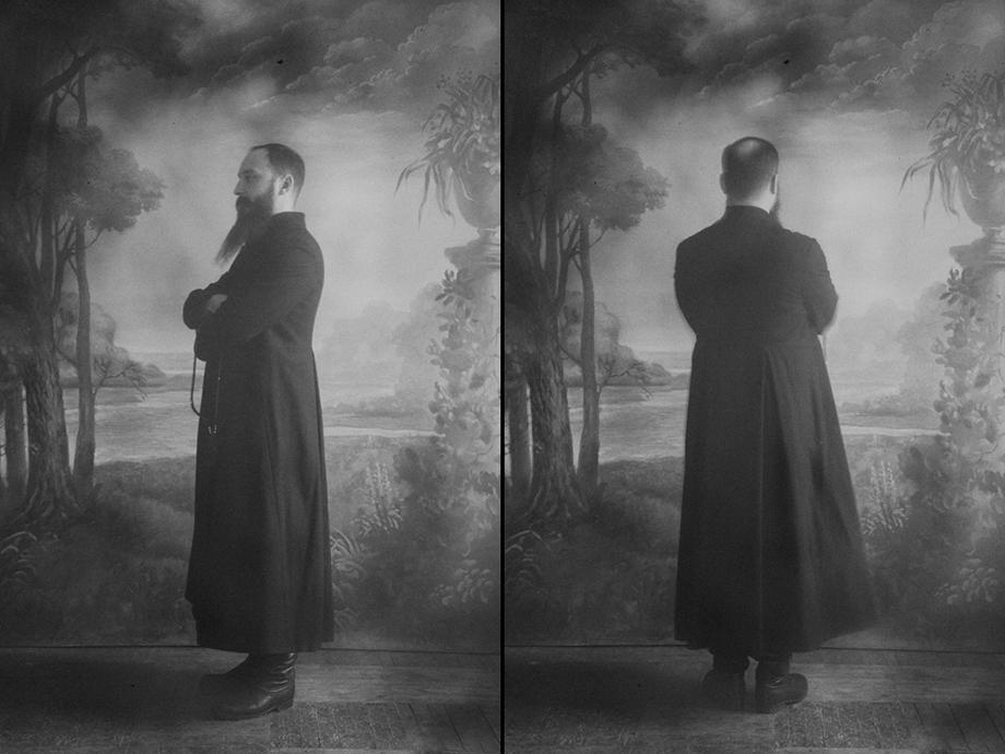 До наших дней главной составляющей молитвенной одежды мужчин является кафтан.