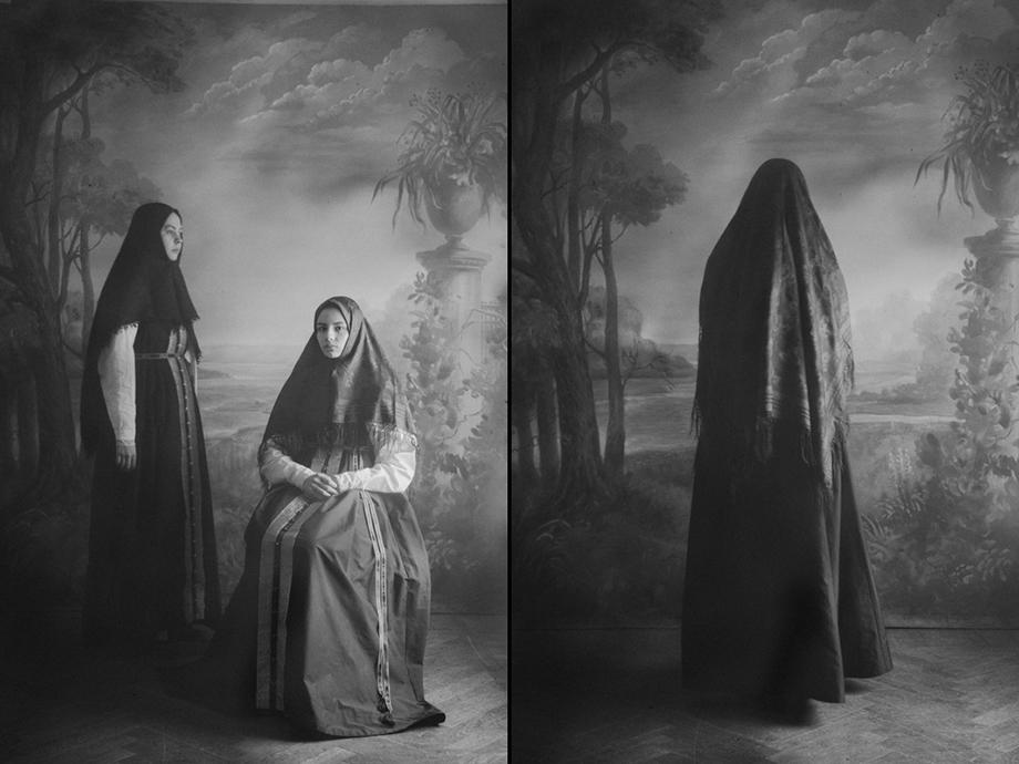 Старообрядческие соборы Урала уже с XVIII века регламентируют моленную одежду для женщин.