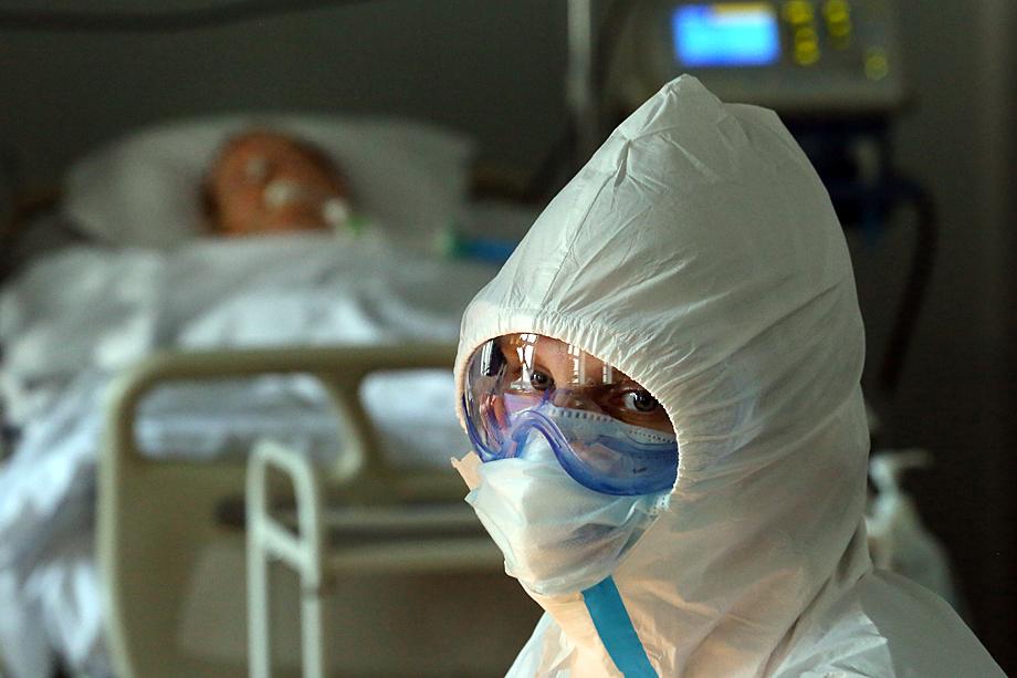 По статистике, москвичи стали болеть инфекционными заболеваниями в разы меньше. Койки сократили. Никто не ждал COVID-19.