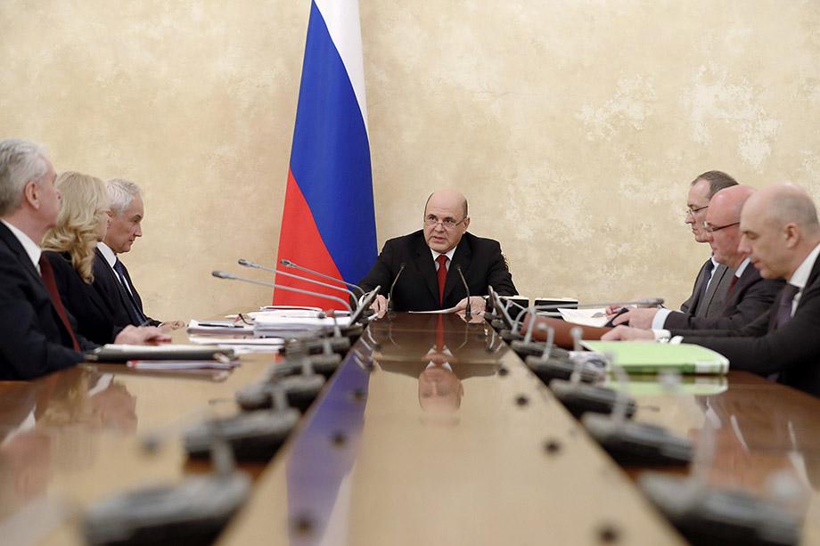 К правительству негативно относятся 23–25 процентов россиян, а конкретно к Мишустину – всего 8–10 процентов.