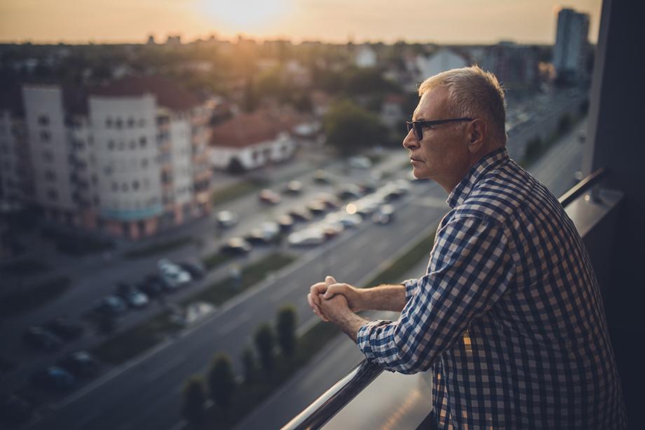 По мнению психологов, в такой некомфортной и стрессовой ситуации, как самоизоляция, люди могут возвращаться к вредным привычкам.