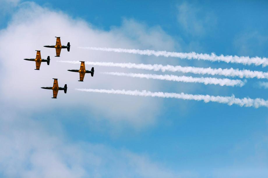 В представлении примут участие более 100 боевых самолётов и вертолётов Ленинградской армии ВВС и противовоздушной обороны.