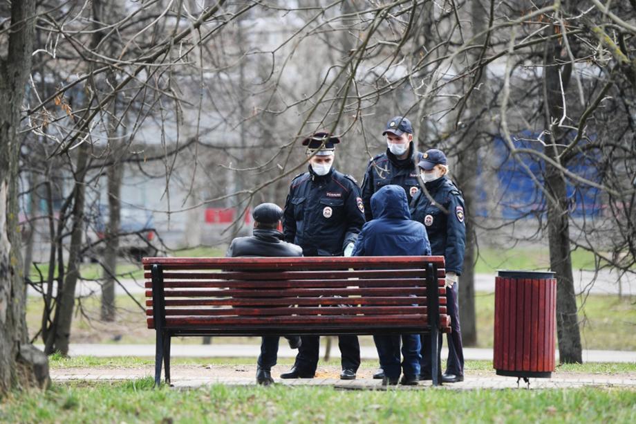 Наряду с постоянным нарушением гражданами карантинных мер представителям полиции приходится бороться с возросшим числом мелких преступлений.