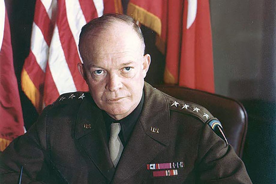 Дуайт Эйзенхауэр по приказу Трумэна разработал план по атомной бомбардировке 20 советских городов.