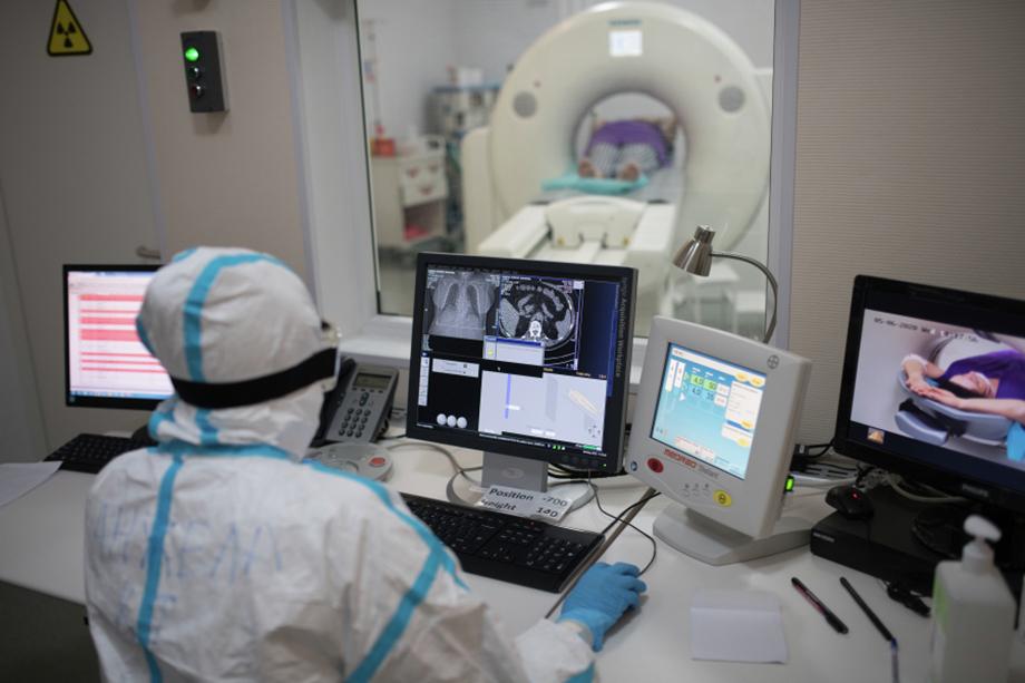 Бессимптомным носителям делали компьютерную томографию.