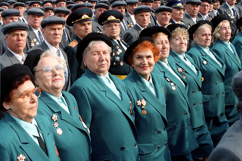 В 1995 году в День Победы прошёл парад ветеранов. Это было незабываемое эмоциональное зрелище.