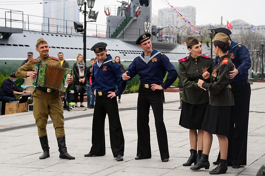 В порту на 9 мая, Владивосток