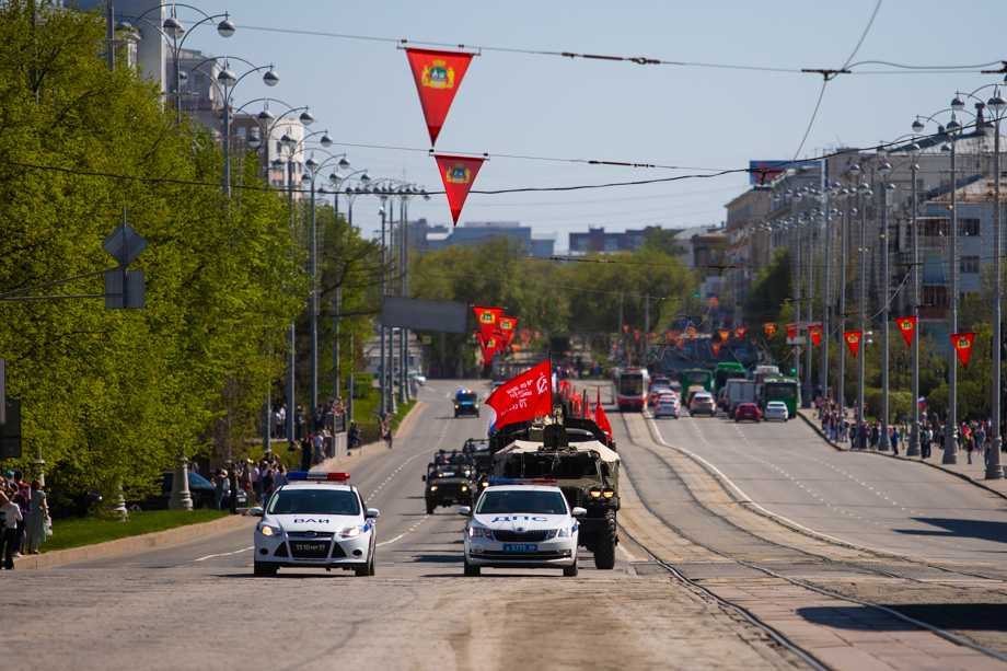 Колёсная техника на параде