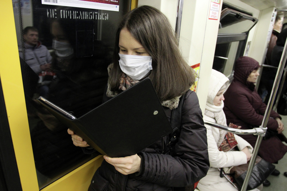 Самоизоляция сильно изменила жизнь многих россиян. Как следствие, изменились и предпочтения в книгах. Большим спросом стала пользоваться литература по самосовершенствованию в разных сферах.