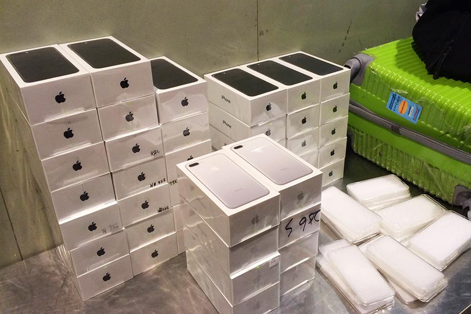 Непростительное упущение: из-за неуплаты налогов с продажи серых телефонов бюджет страны лишается ни много ни мало 16,6 миллиарда рублей.
