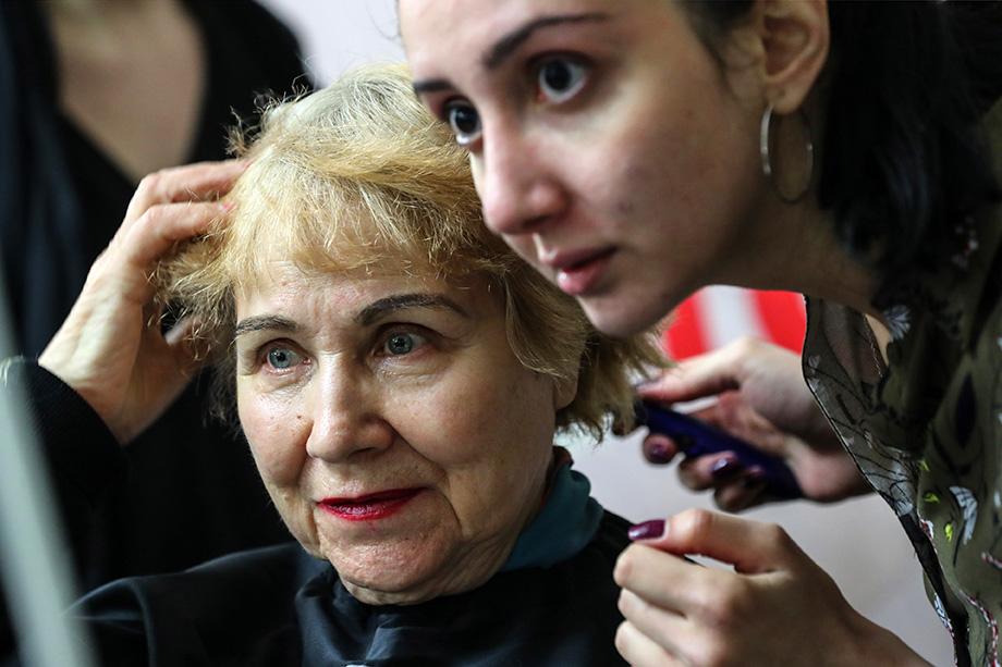 Абсолютно везде и всегда люди хотят быть красивыми и ухоженными, поэтому франшизы на парикмахерские услуги будут востребованы в малых городах, считают специалисты.