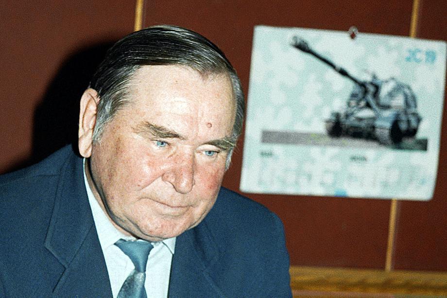 Генеральный конструктор ЦКБ ГО «Уралтрансмаш» Юрий Томашов. 1999 год.