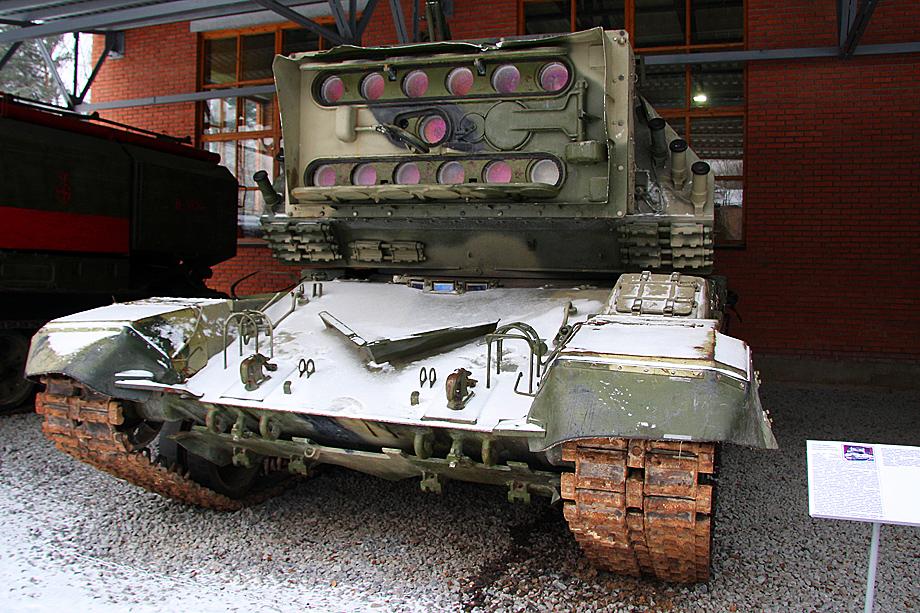 1К17 «Сжатие» – советский и российский самоходный лазерный комплекс для противодействия оптико-электронным приборам противника.