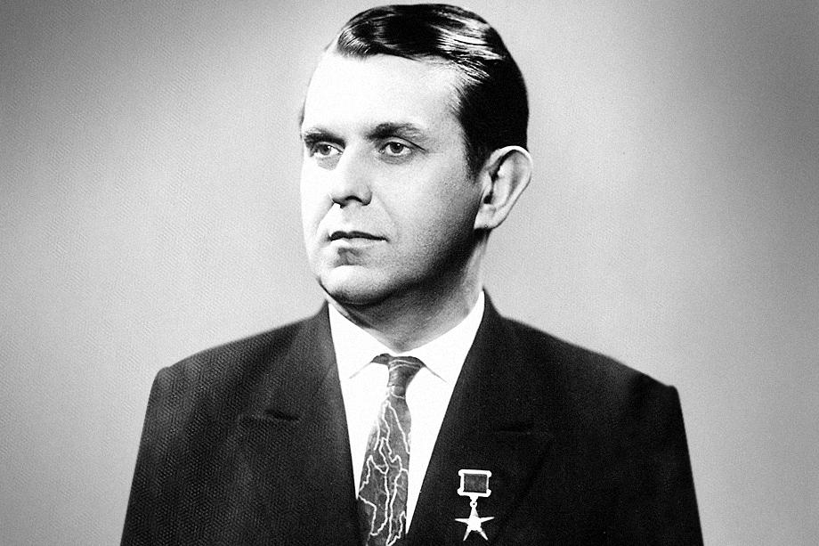 Владимир Иванович Дегтярёв посвятил свою жизнь Донецку.