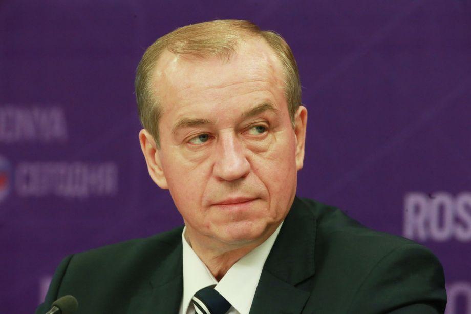 КПРФ предложит допустить ушедшего досрочно в отставку Сергея Левченко до выборов губернатора Иркутской области.