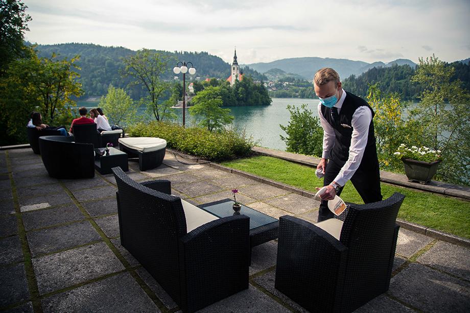 Чтобы получить разрешение принимать туристов, отелям придётся строго соблюдать санитарные нормы и контролировать соблюдение этих норм постояльцами.