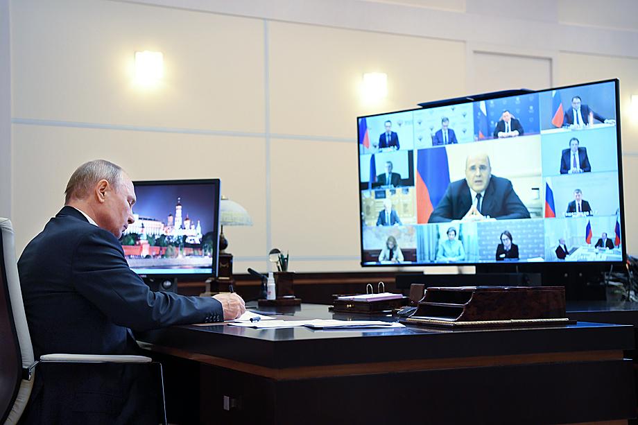 Распоряжения президента и результаты их реализации напоминают эффект сломанного телефона.