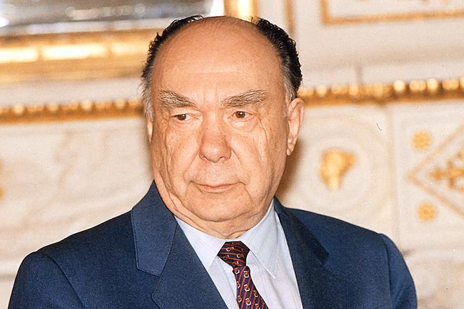 Александр Яковлев возглавлял комиссию по политической и правовой оценке советско-германского договора о ненападении. 1989 год.