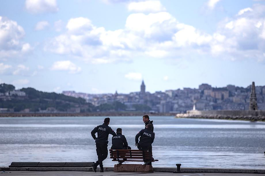 Рекорды прошлого туристического сезона в Турции вдохновили инвесторов, но пандемия и карантинные меры сделали все вложения почти бессмысленными.