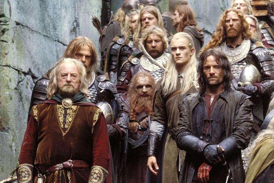 Толкиена обвинили в том, что у него нет ни одного темнокожего персонажа и мало женских образов.