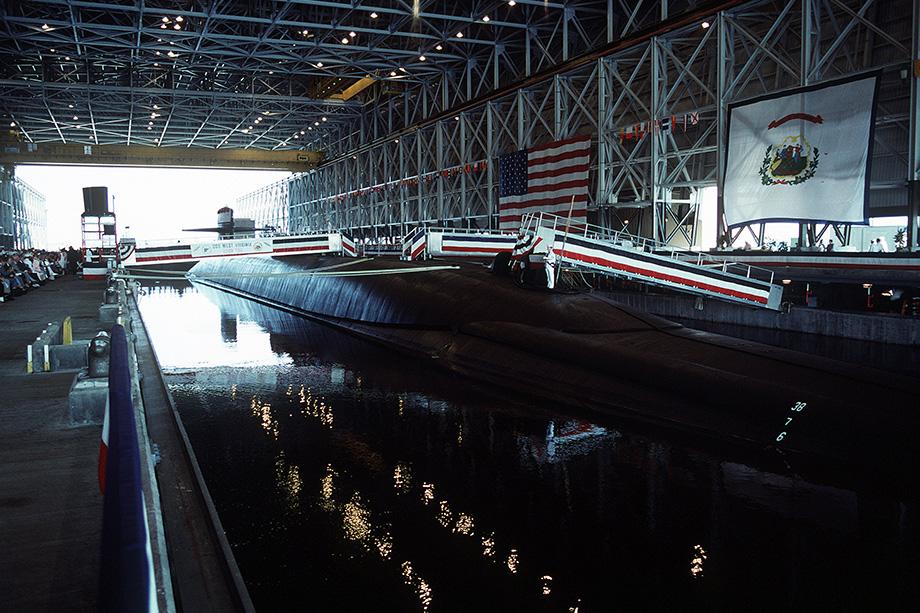 Торжественная церемония вступления в строй 11-й лодки типа «Огайо». 1990 год.