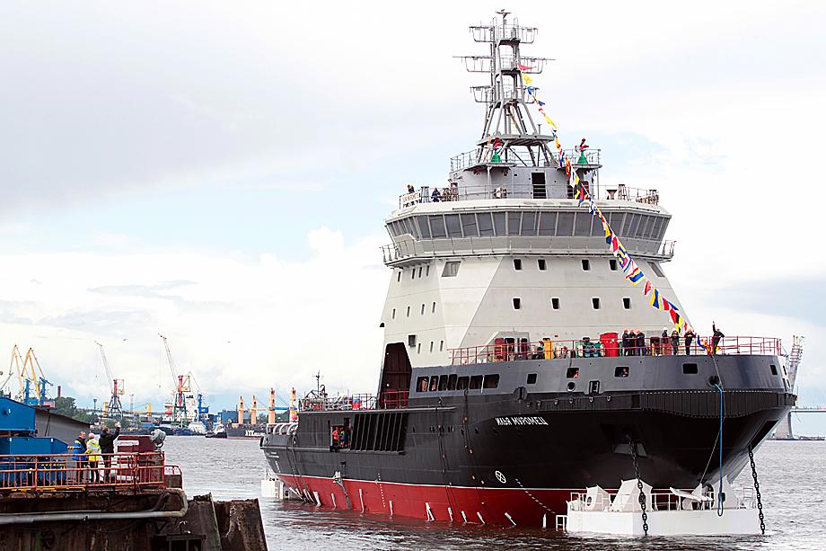 Спуск на воду ледокола «Илья Муромец» в Санкт-Петербурге. 2016 год.