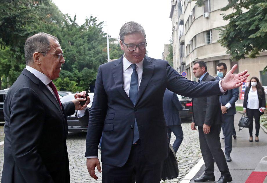 По замыслу Вучича, встреча с Сергеем Лавровым должна положительно повлиять на электорат перед будущими выборами в парламент.