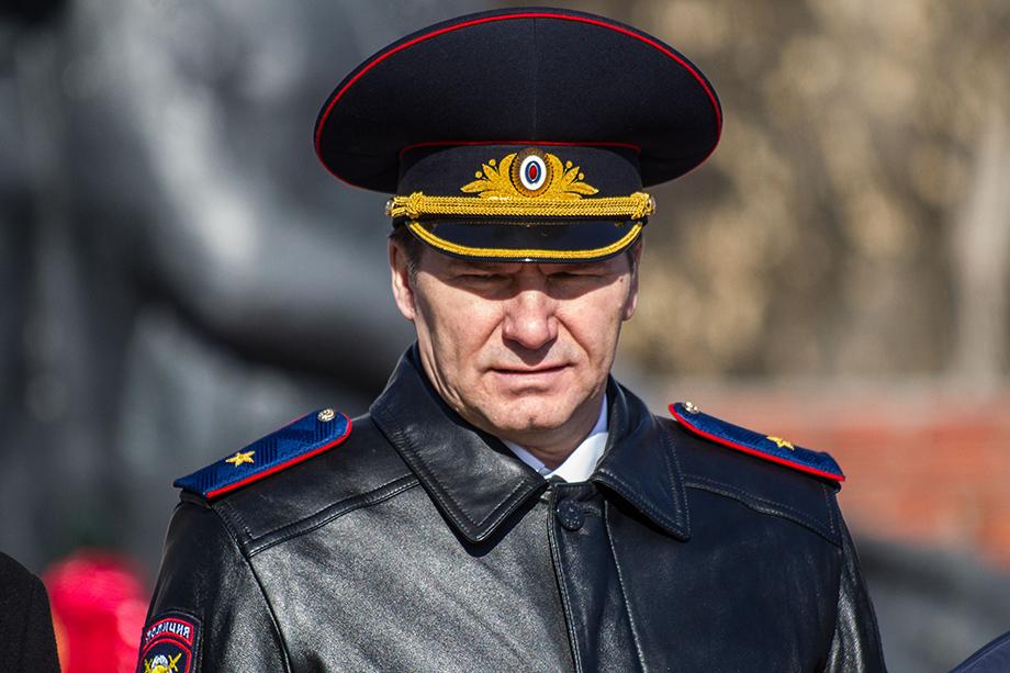 Юрий Алтынов был задержан по факту получения взяток от владельца компании «Сибнефтехимтрейд» и экс-главы филиала ФГУП «Паспортно-визовый сервис».
