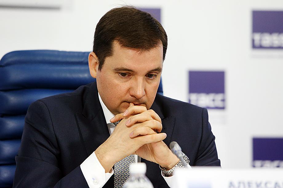 «Прилететь» может и врио главы Архангельской области Александру Цыбульскому, совместно с которым Бездудный должен был реализовать скандальный проект объединения двух регионов.