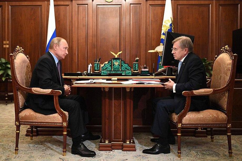 Владимир Путин провёл рабочую встречу с гендиректором «Аэрофлот» Виталием Савельевым.
