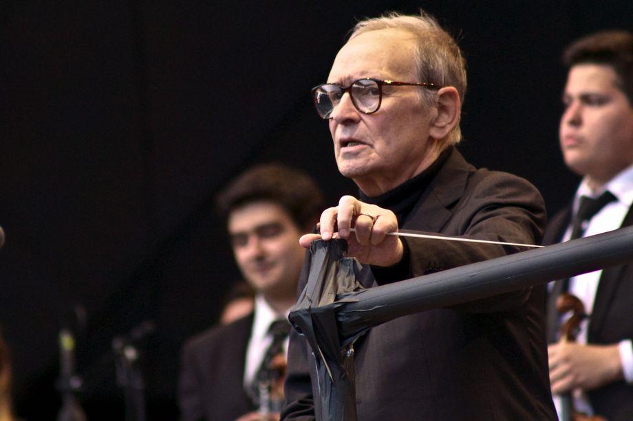 Композитор удостоен двух премий «Оскар».