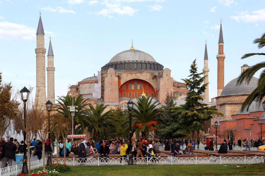 Государственный совет Турции примет знаковое решение  – быть Айя-Софии мечетью или оставаться музеем.
