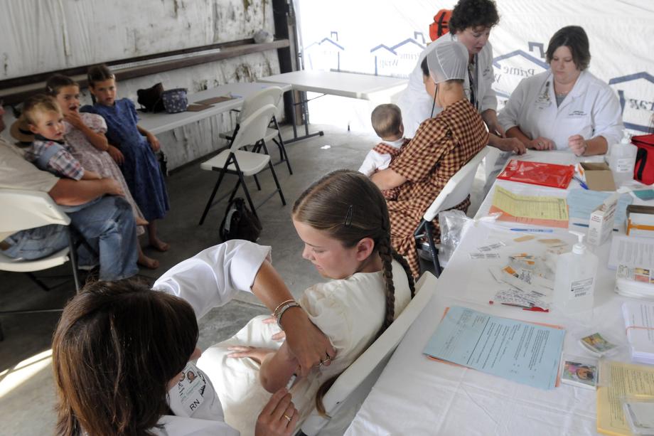 У родителей в США нет выбора – только тройная вакцина MMR.