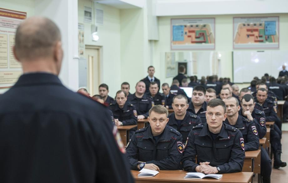 Александр Гуров: «Кадров не хватает, это правда. Из 1,2 миллиона сотрудников 200 тысяч сократили».